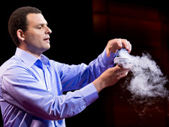 Boaz Almog levitates a superconductor
