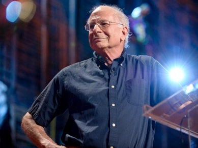 Daniel Kahneman The riddle of experience vs memory  Video on TEDcom