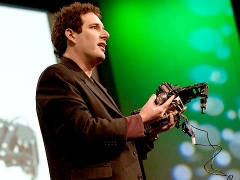 Hod Lipson builds &quot;self-aware&quot; robots
