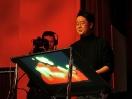 Jeff Han demos his breakthrough touchscreen