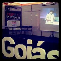 TEDxPUCGoiásSalon