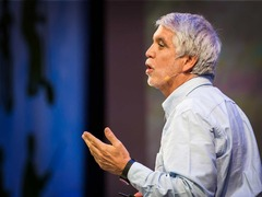 Enrique Peñalosa: Why buses represent democracy in action
