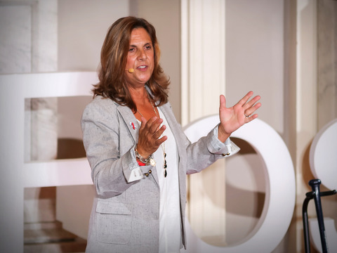 TED: Nancy Frates: Meet the mom who started the Ice Bucket Challenge - Nancy Frates (2014)