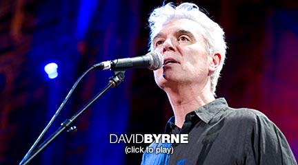 David Byrne canta 'Non ci sono che Fiori'