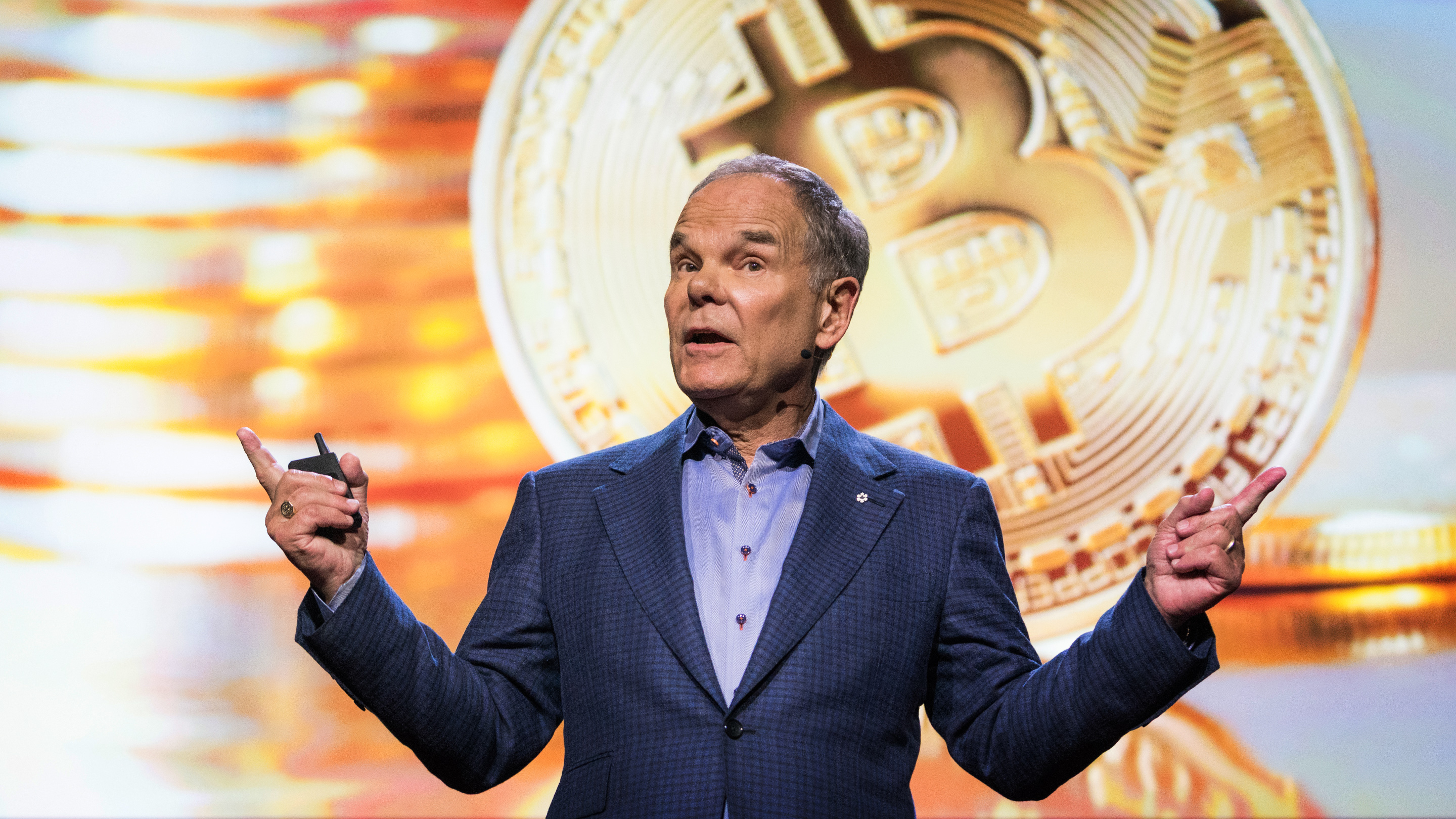 Don Tapscott: How the blockchain is changing money and business thumbnail