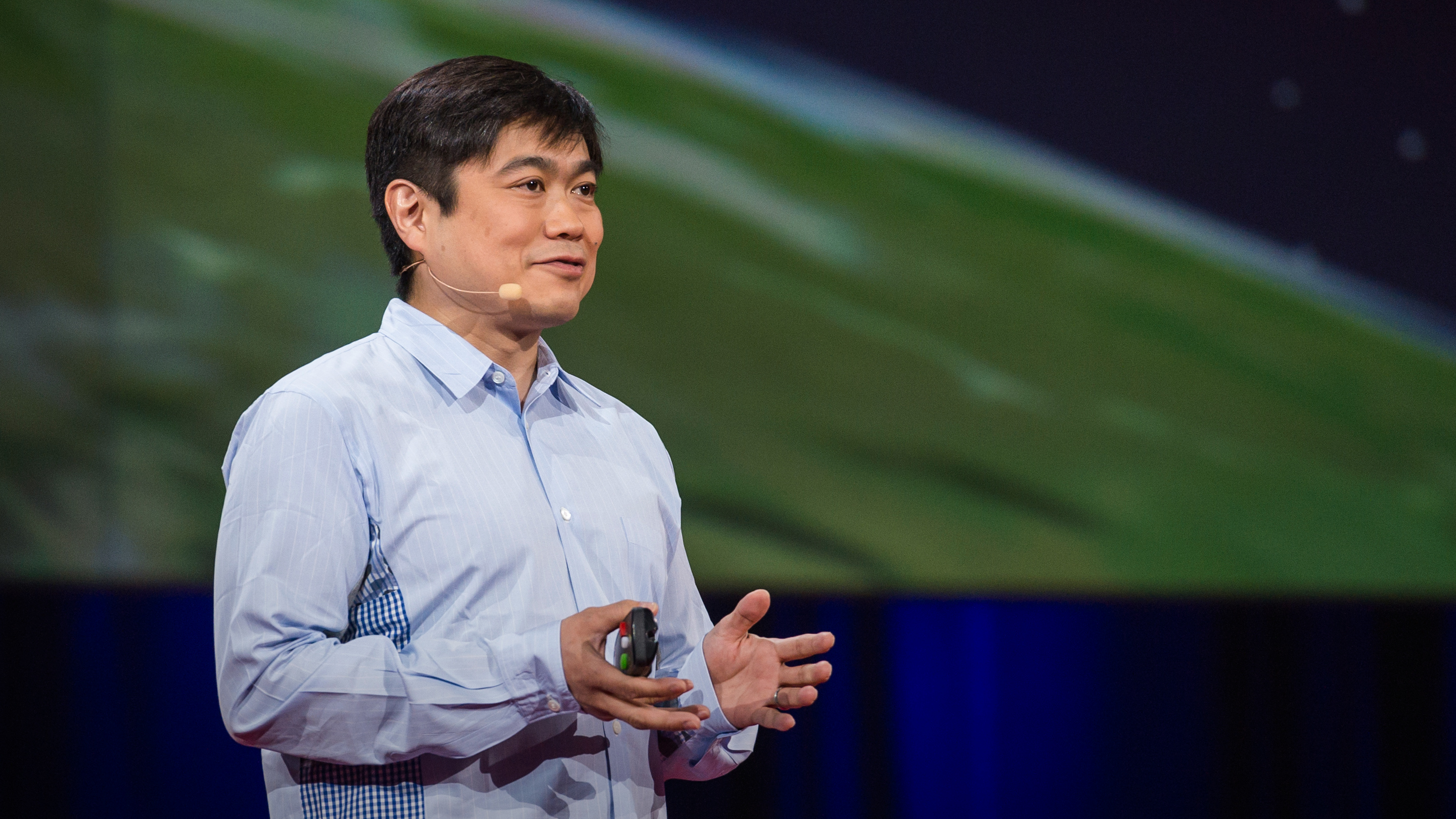 "Joi Ito: Want to innovate? Become a ""now-ist"" thumbnail"