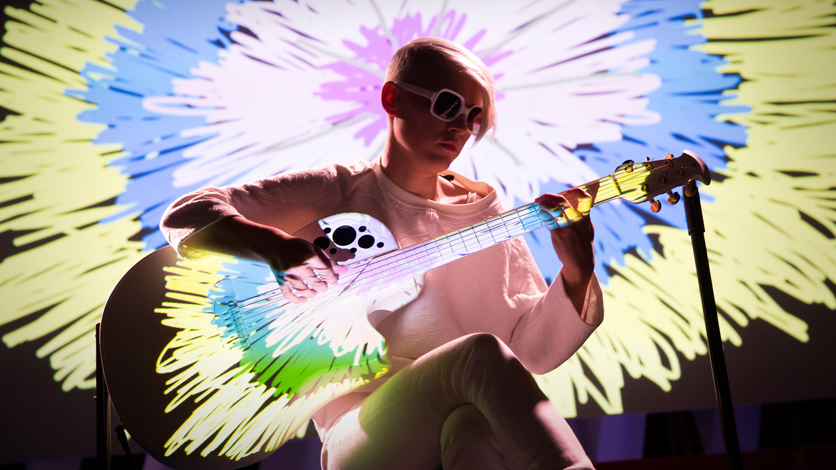 Kaki King: A musical escape into a world of light and color thumbnail