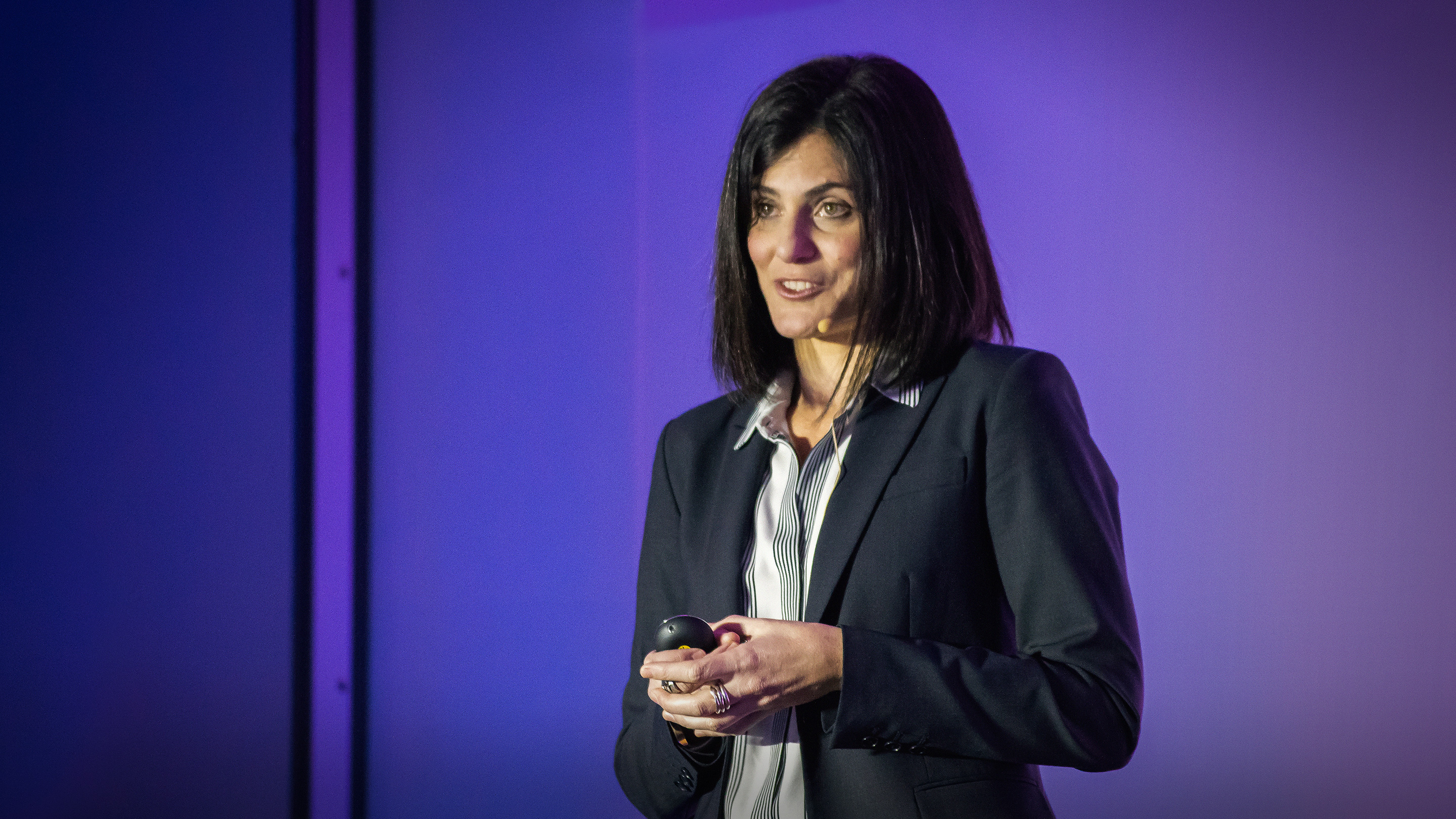 Tania Simoncelli: How I took on the gene patent industry -- and won thumbnail